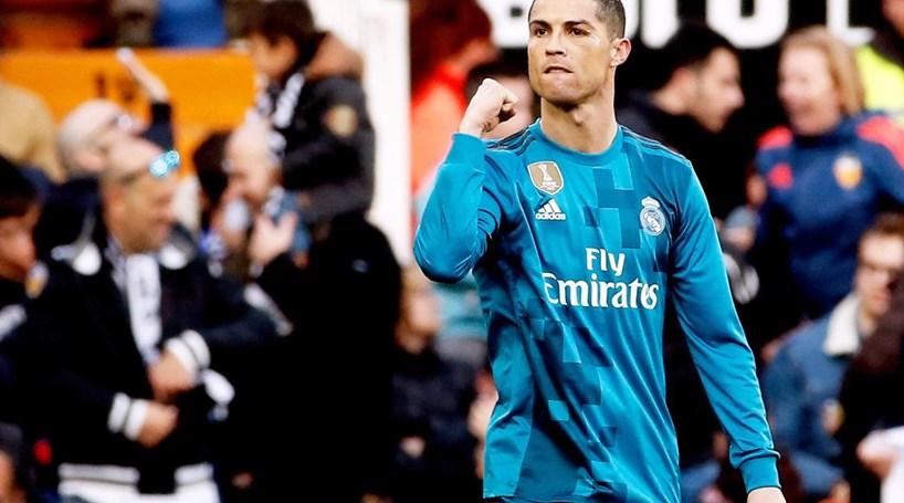 49ae87a708 Cristiano Ronaldo bisa de penalti frente ao Valência - Futebol ...