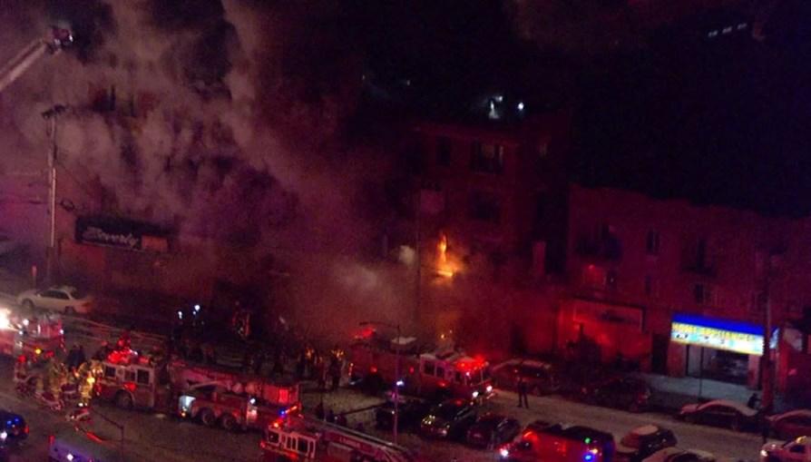 Incêndio num prédio em Nova Iorque faz 12 feridos