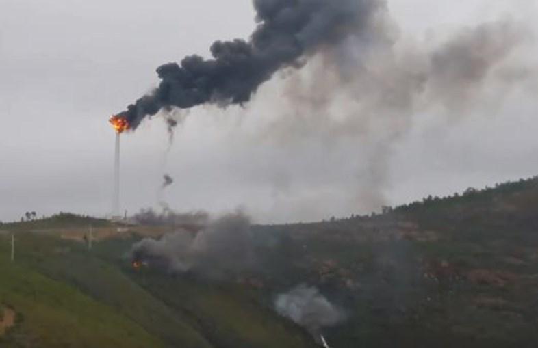 Pá de torre eólica incendeia-se na Pampilhosa da Serra