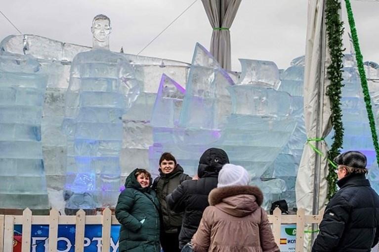 Escultura em gelo de Cristiano Ronaldo