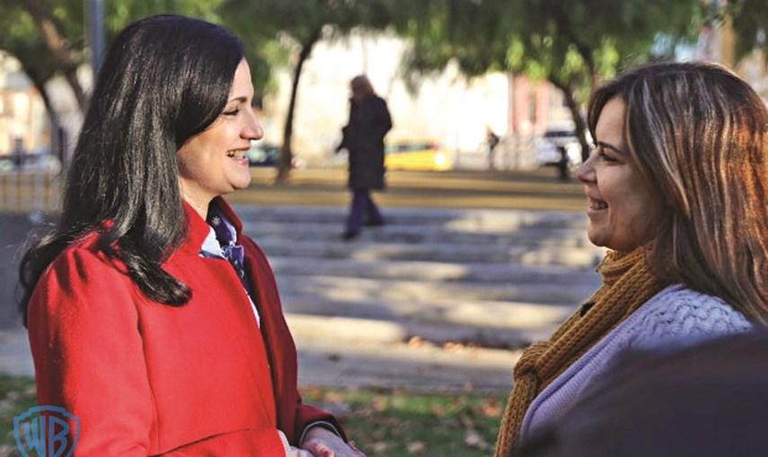 A 'Supernanny', Teresa Paula Marques, e Patrícia, mãe de Margarida, a criança protagonista do primeiro episódio