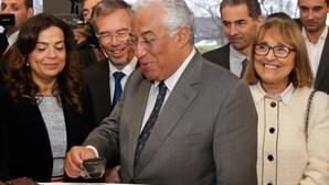 António Costa toma café pago com créditos de poupança de emissão de carbono