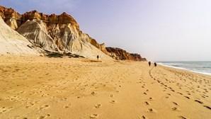 Algarve leva Portugal ao top 15 das melhores praias do mundo