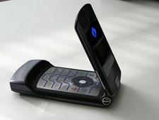 Motorola RAZR (considerado o primeiro smartphone) (2004) - 639€