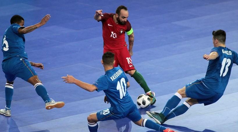 Lusos garantem  meias  do Europeu de futsal com goleada - Desporto ... 5fb4fa2563888