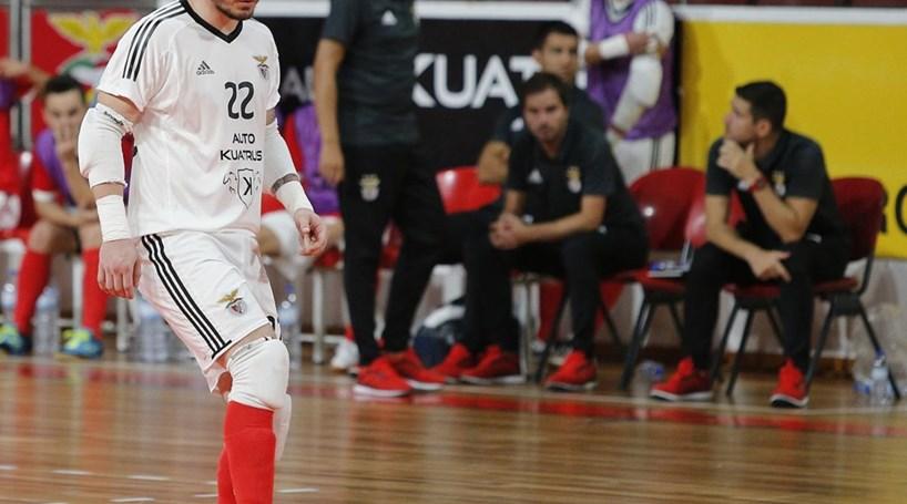 431c07848d Benfica renova contrato com guarda-redes de futsal Diego Roncaglio ...
