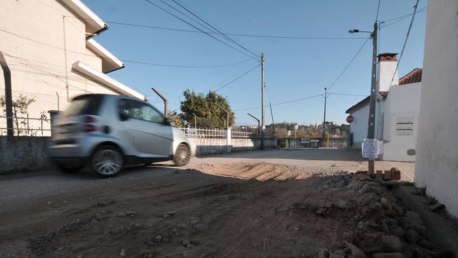 Estrada degradada em Coimbra