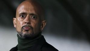 Oito dias de suspensão para treinador do Rio Ave por gestos obscenos no jogo contra o Boavista