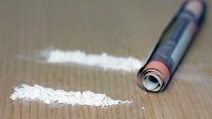 Homem tenta transportar 55 quilos de droga disfarçada em sofás em Moçambique