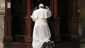Vaticano suspende padre chileno por alegados abusos sexuais