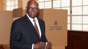 José Eduardo dos Santos chegou esta terça-feira a Luanda