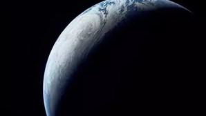 Universo paralelo onde o tempo retrocede? Não é só ficção científica