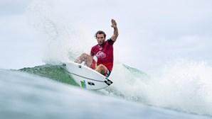 Surfista Frederico Morais avança para os 'oitavos' na Austrália