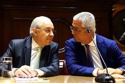 Rui Rio com Fernando Negrão na reunião com a bancada do PSD
