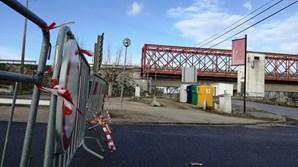 Encerrada ponte que liga Porto de Muge a Muge