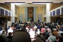 Oração na Mesquita Central de Lisboa