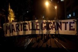 Milhares saíram à rua no Rio de Janeiro para homenagear Marielle Franco