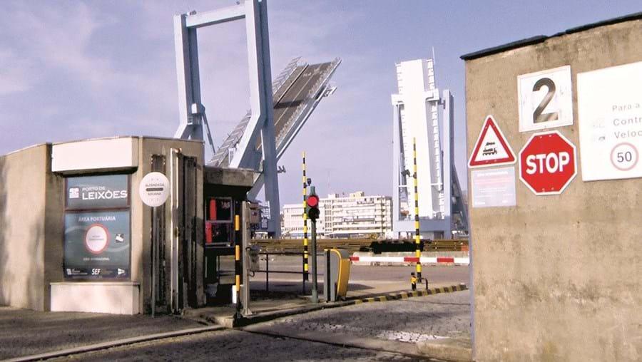 Ponte móvel de Leixões