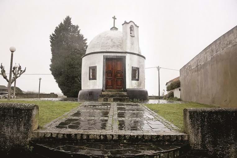 Capela de São Simão, situada em Bunheiro