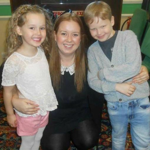 Nikki Ashcroft e os filhos