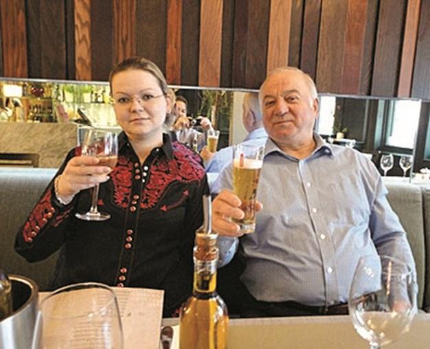 Skripal e a filha numa anterior visita ao restaurante