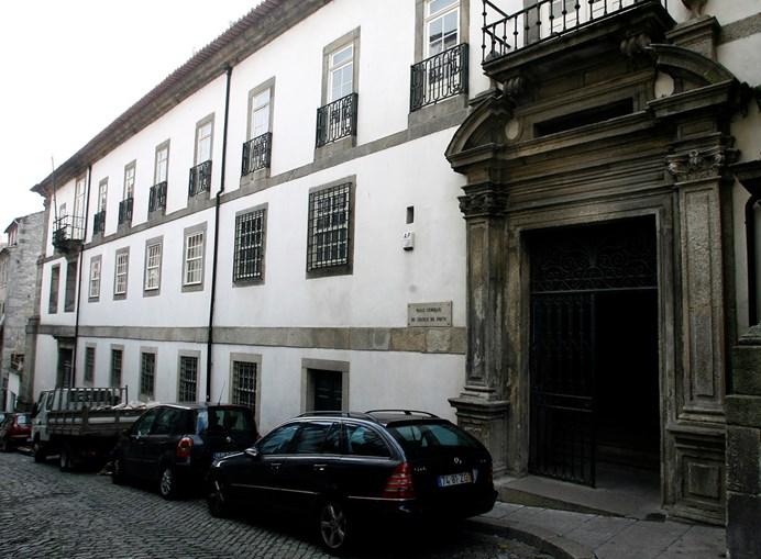 Dupla feminina de assaltantes encontra-se presa preventivamente e está a ser julgada no Tribunal de S. João Novo
