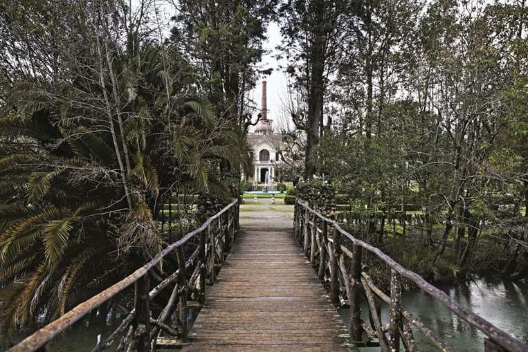 Parque das Termas da Curia tem no seu espaço românticos jardins