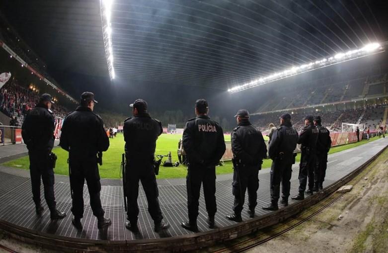 PSP em policiamento de jogo no estádio do Braga