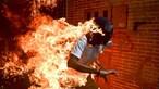 Foto do ano mostra Venezuela em chamas