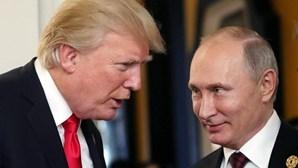 """Trump dizque a Rússia pagará preço alto por apoio a """"animal' Assad"""
