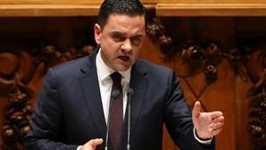 Governo defende que consolidação orçamental liberta recursos para o que é importante