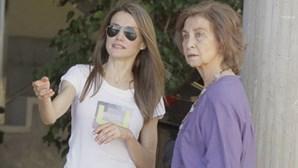 Letizia proíbe Sofia de ver as netas