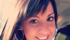 Professora engravida de aluno menor que adotou