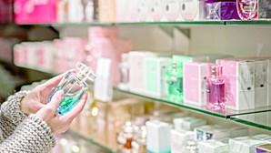 90% da composição dos produtos cosméticos podem ser microplásticos, alertam organizações europeias