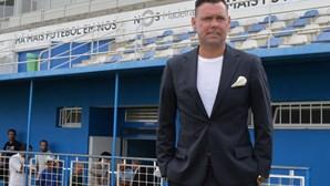 Camacha anuncia fim de contrato com Maniche
