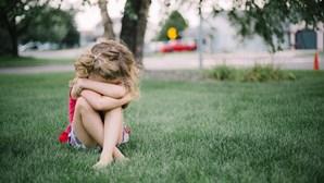 Menina violada e agredida pede aos médicos que a deixem morrer para não voltar a casa