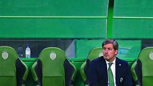 Bruno de Carvalho vai mesmo para o banco no dérbi