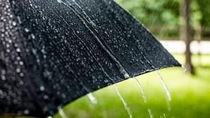 Prepare o chapéu de chuva. Aguaceiros regressam esta terça-feira