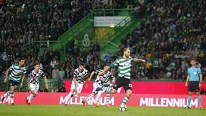 Sporting vence Boavista com penálti de Bas Dost