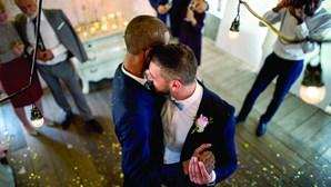 Suíça aprova casamento entre pessoas do mesmo sexo após referendo