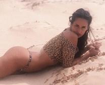 Rita mostra curvas sensuais