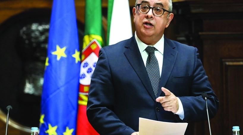 Resultado de imagem para Ministro da Defesa, Azeredo Lopes, demite-se do Governo