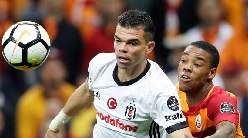 Pepe lesiona-se e está em risco para o Mundial - Desporto - Correio ... 56d888f39ccc0