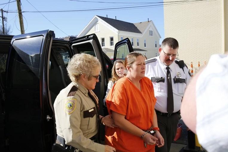 Lena Lunsford é acusada de matar a filha de três anos, nos Estados Unidos