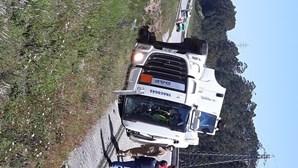 Acidente com camião corta A1 nos dois sentidos em Pombal