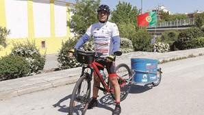 Paixão pela Seleção leva ciclista à Rússia