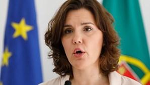 """Assunção Cristas diz que professores """"foram aldrabados"""" pelo Governo de Costa"""