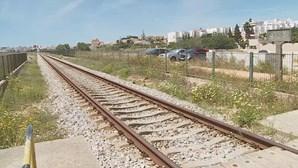 Mulher morre atropelada por comboio em Lagos