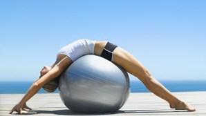 Confinamento provocou maior procura de yoga, meditação e treinos com PT ao ar livre e 'online'