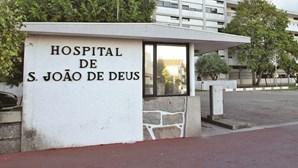Homem de 70 anos ferido ao cair de telhado em Vila Nova de Famalicão